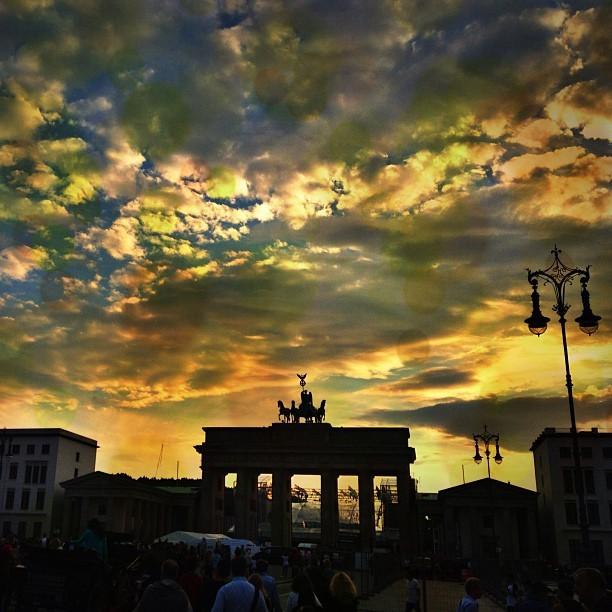 Brandenburger Tor Sunny Vibes
