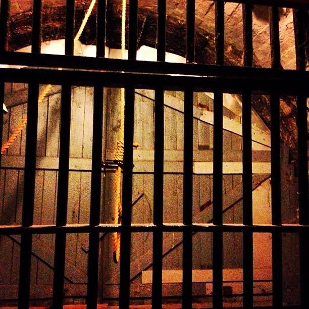 HI Ottawa Jail Hostel Noose