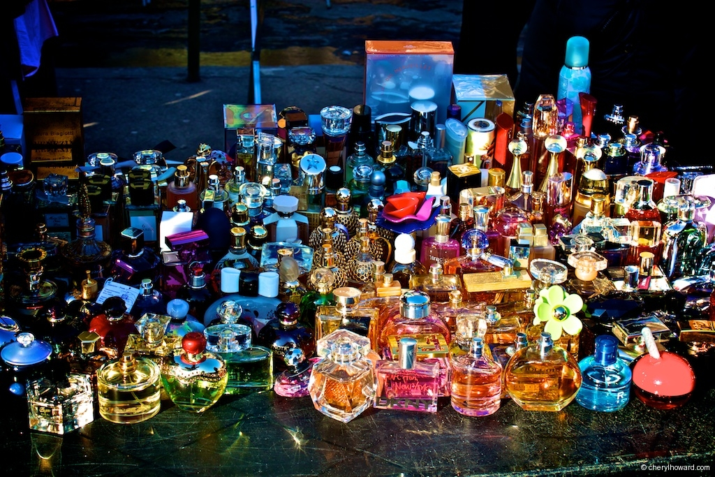 The Plac Nowy Jewish Market - Cups and Glasses