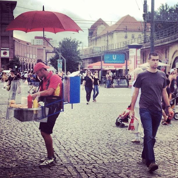 Grill Walkers In Berlin