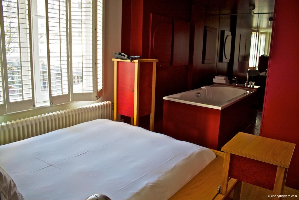 Lloyd Hotel Red Room