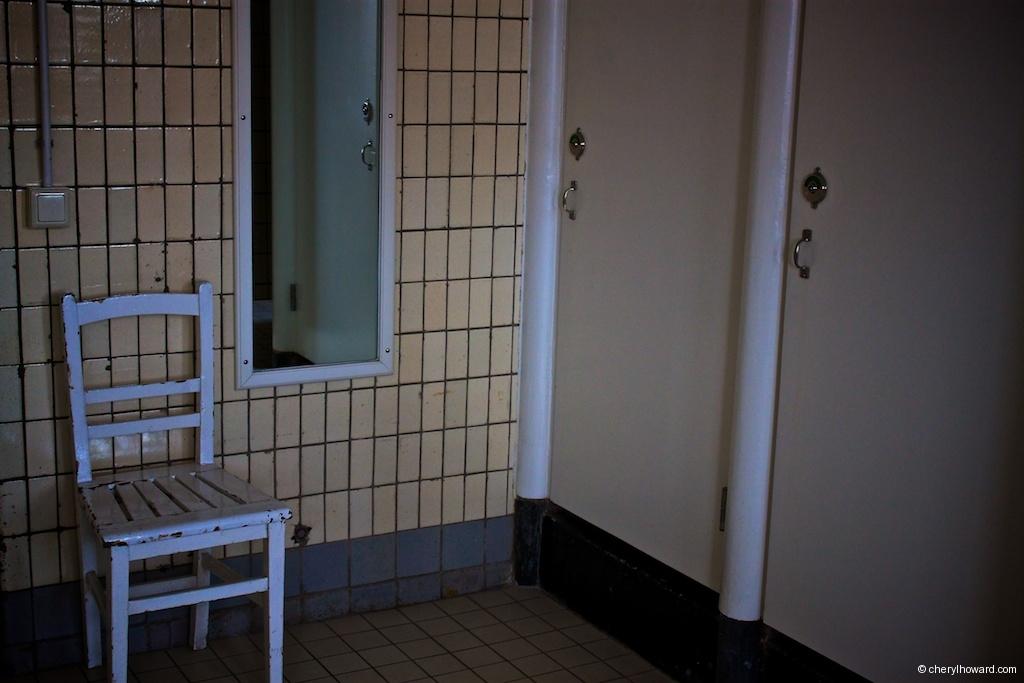 Lloyd Hotel - Shared Bathroom Chair