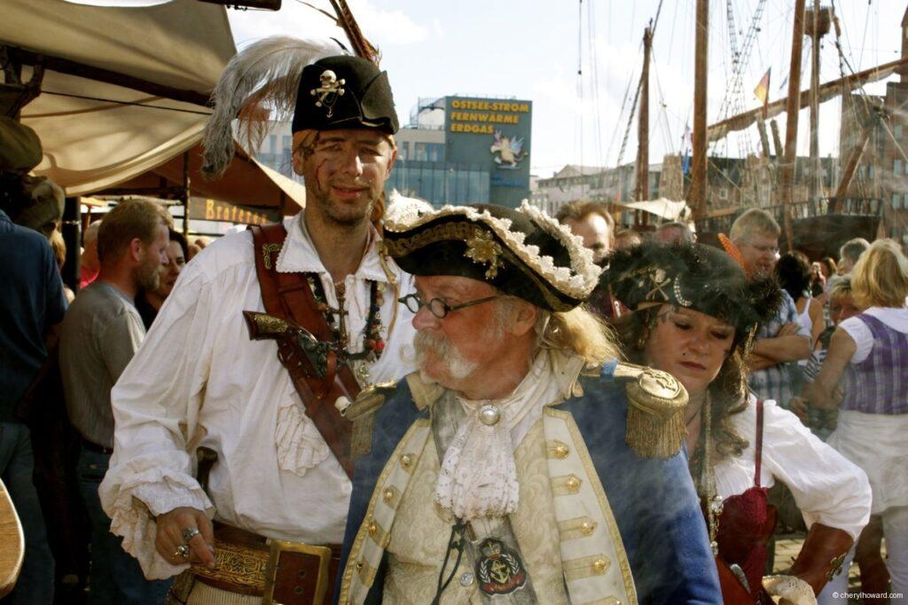 Hanse Sail In Rostock Market - Costumes