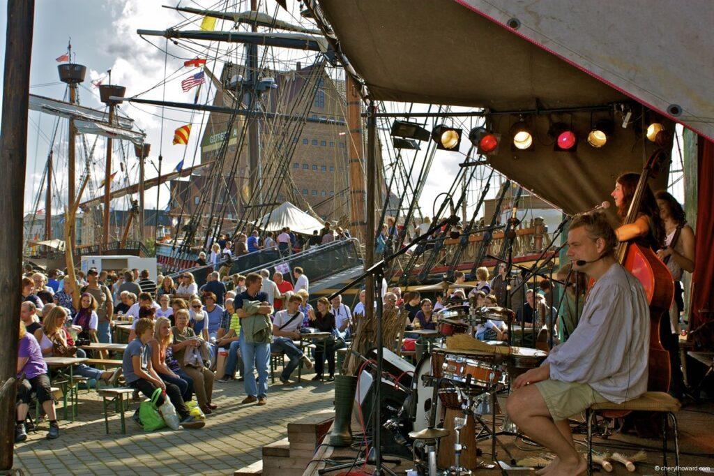 Hanse Sail In Rostock Market - Musicians