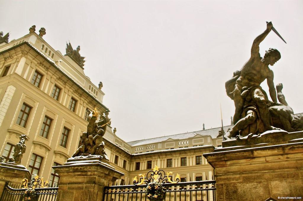 Praha Castle Statue
