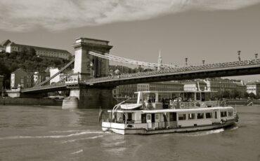 Budapest Boat Cruise - Header