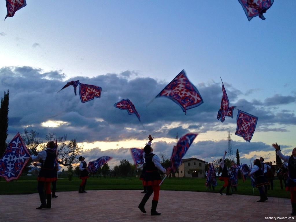 Compagnia Sbandieratori e Musici di Città della Pieve Flags In Air