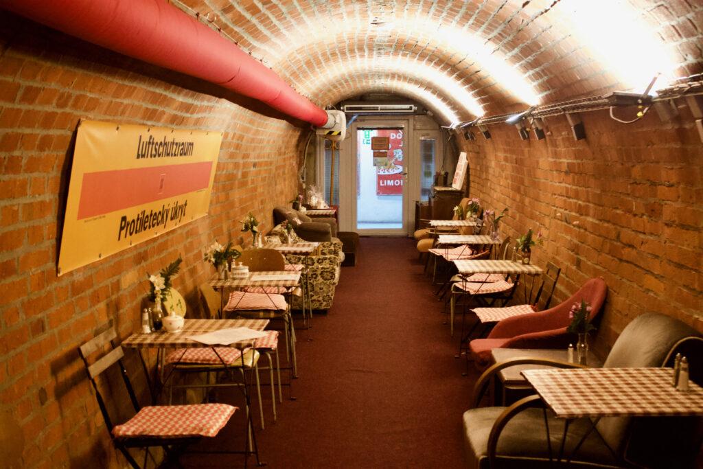 10-Z Nuclear Shelter In Brno - Bar