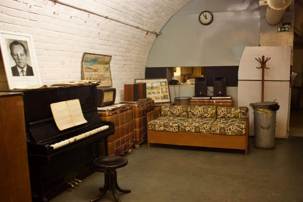 10-Z Nuclear Shelter In Brno Czechia - Hostel