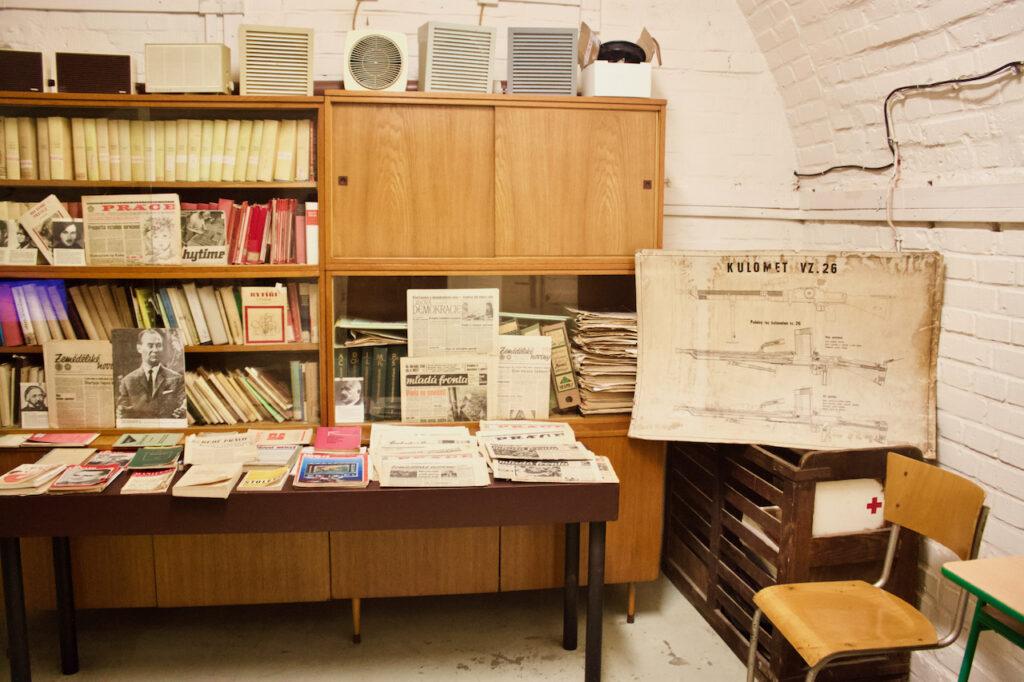 10-Z Nuclear Shelter In Brno - Desk